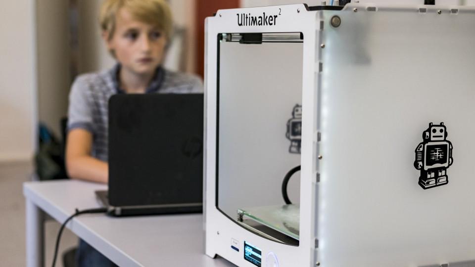 Book vores MakerSpace On Wheels i 2021/2022