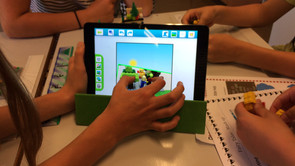5. klasse bygger mash-up fairy tales i Lego