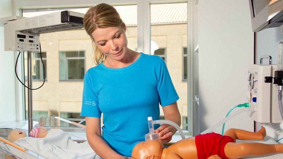 Ny og innovativ uddannelsesmodel skal sikre dygtigere sygeplejersker