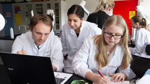 450 gymnasieelever dyster i Biotekmesterskaberne i Kalundborg